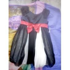 Robes de soiree Top noir avec jupe en tulle blanche Bande rouge pour enfant de 4 ans