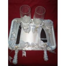 champagne glasses knives for brides