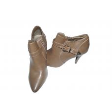 chaussure à talon dame/ boutille avec une boucle sur le coté/pointure 40