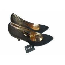 heel shoe for lady in dain  color black and gold  size 40  brand jumex