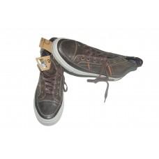 chaussure   montante pour homme de couleur maronne